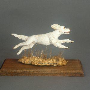 """""""Run Setter Run"""" - English Setter Sculpture by Jim Gartin 4"""" x 6"""" x 6""""H - L/E -99 - Painted Resin"""